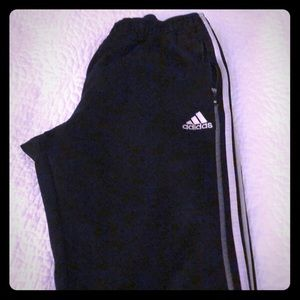 Womens Adidas Pants with zippered pockets.